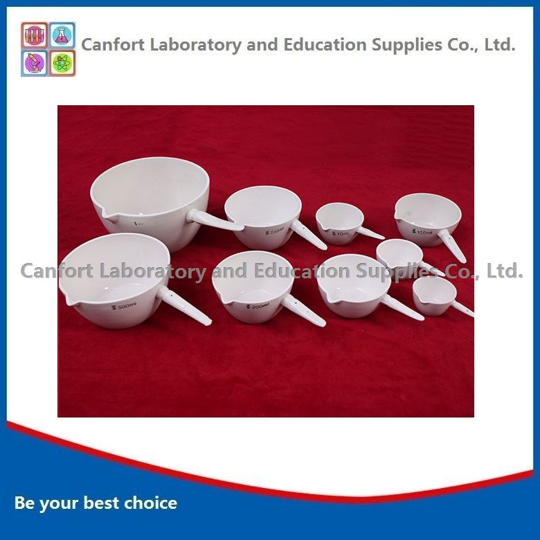 Porcelain evaporating dish with handle